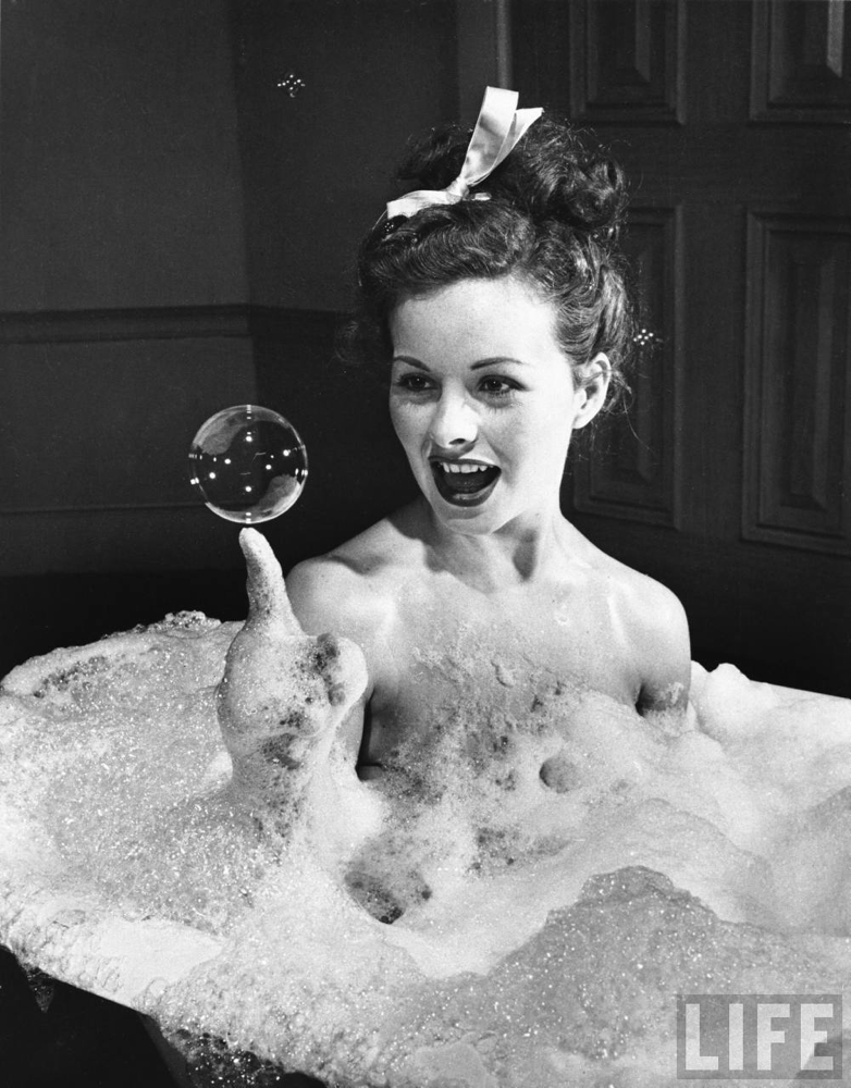 Friday Glam Spam: Jeanne Crain | Garbo Laughs